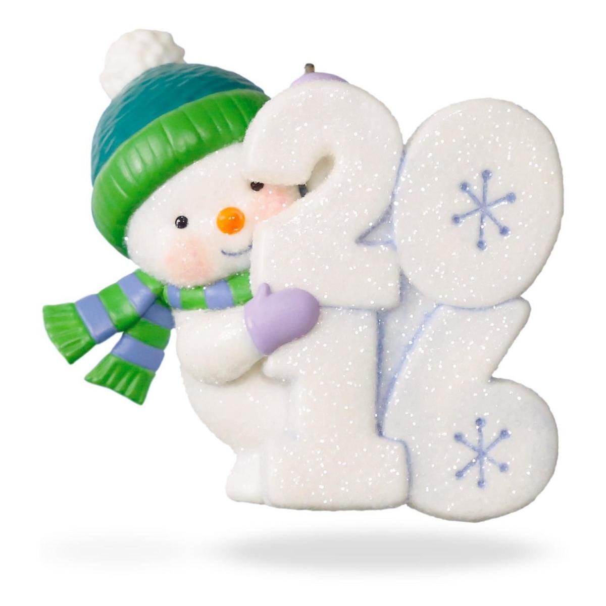 2016 Frosty Fun Decade Hallmark Keepsake Ornament - Hooked ...
