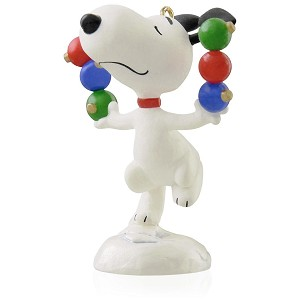 2015 Decking The Tree - Snoopy