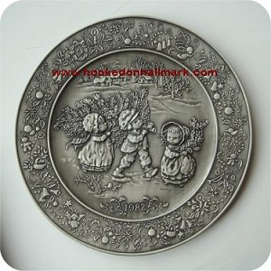 1982 Christmas Pewter Plate #6 - Bringing Home the Tree
