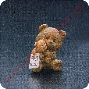 1991 Bears Hugging - Merry Miniature