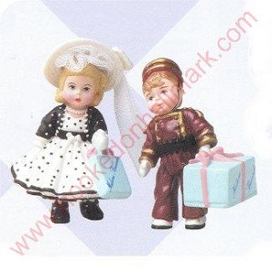 1999 Madame Alexander Park Avenue Wendy and Alex the Bellhop - Merry Miniature