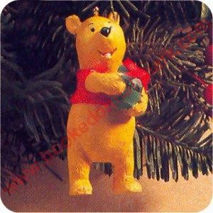1991 Winnie the Pooh - Classic Pooh