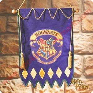 2000 Harry Potter - Hogwarts Crest Banner - No Tags