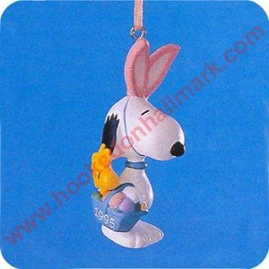 1995 Peanuts Easter Beagle - DB
