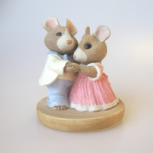 Mouse Couple Waltzing - Tender Touches Figurine -RARE