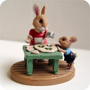 Rabbits Baking - Mini Memories Figurine - Rare