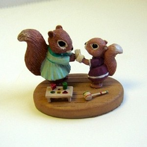 Squirrels with Bandage - Mini Memories Figurine