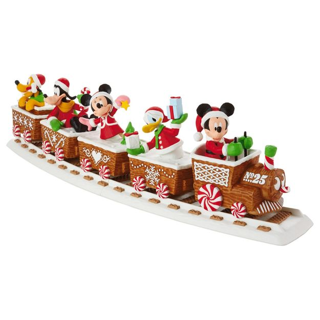 close - Disney Christmas Train