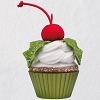 2018 Christmas Cupcake #9 - Holly Jolly Delight