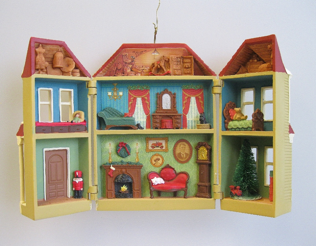 2013 Nostalgic Houses and Shops Victorian Dollhouse ...