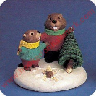 Beavers With Tree - Tender Touches Figurine