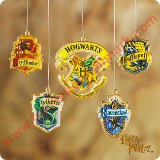 2001 Harry Potter - Hogwarts School Crests - Very hard to find!