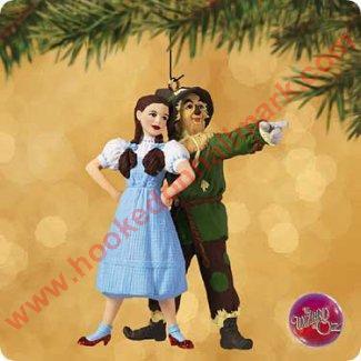2002 Dorothy And Scarecrow Wizard Of Oz Hallmark Ornament