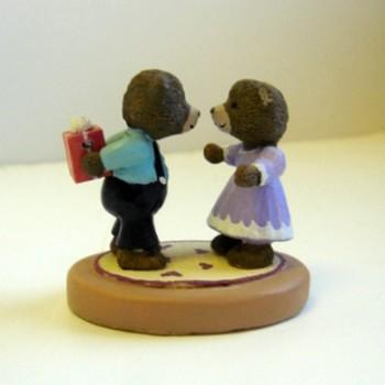 Bears with Gift - Mini Memories Figurine - Rare