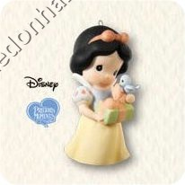 "<font face=""arial"" size=""2""><b>2008 Snow White - Precious Moments<br></b>2008 Hallmark Keepsake Disney Ornament <br><i> (Scroll down for additional details) </i> </font>"