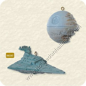 "<font face=""arial"" size=""2""><b>2008 Death Star and Destroyer - Star Wars: Return of the Jedi</b><br>2008 Hallmark Keepsake Miniature Ornaments <br><i> (Scroll down for additional details) </i> </font>"