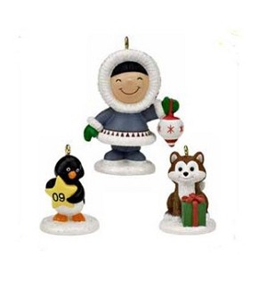 "<font face=""arial"" size=""2""><b>2009 Christmas Fun With Friends</b><br>2009 Hallmark Keepsake Event Miniature Set<br><i> (Scroll down for additional details) </i> </font>"