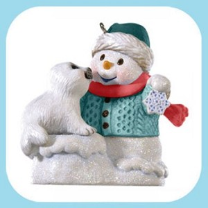 "<font face=""arial"" size=""2""><b>2009 Snow Buddies Event COLORWAY</b><br>2009 Hallmark Keepsake Event Ornament<br><i> (Scroll down for additional details) </i> </font>"