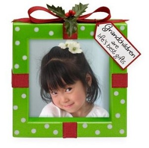 "<font face=""arial"" size=""2""><b>2009 Grandchildren Are a Gift</b><br>2009 Hallmark Keepsake Ornament <br><i> (Scroll down for additional details) </i> </font>"