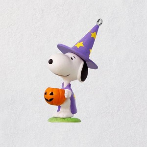 2018 Halloween, Trick or Treat Snoopy - Miniature Ornament