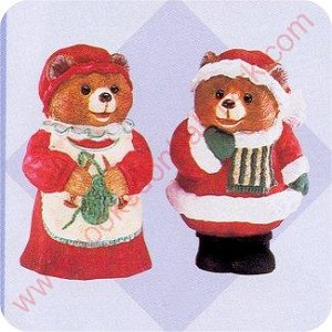1996 Mr and Mrs Claus Bears - Merry Miniature