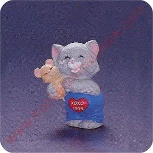 1993 Cat hugging Mouse - Merry Miniature
