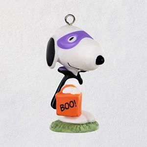 Hallmark Halloween Peanuts 2020 2020 Halloween, Vampire Snoopy Hallmark Keepsake Ornament   Hooked