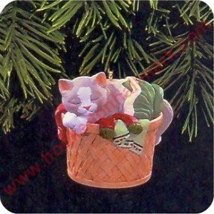 "<font face=""arial"" size=""2""><b>1998 Cat Naps #5</b><br>1998 Hallmark Keepsake Ornament <br><i> (Scroll down for additional details) </i> </font>"