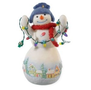 "<font face=""arial"" size=""2""><b>2008 Snowtop Lodge #4 - Louie D Lightly</b><br>2008 Hallmark Keepsake Series Ornament <br><i> (Scroll down for additional details) </i> </font>"